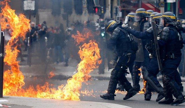 Disturbios en París durante las protestas del 1º de Mayo