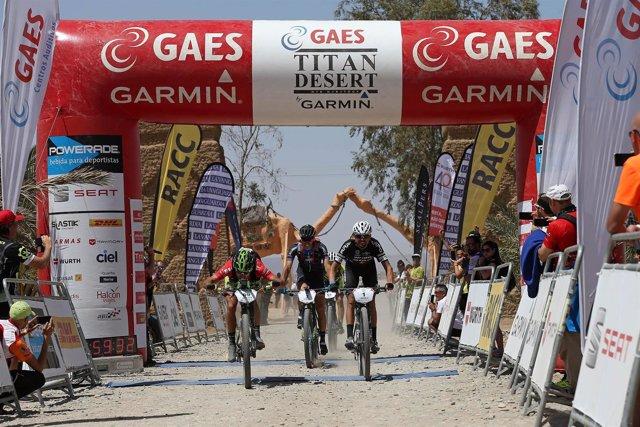 Gómez Miranda gana la segunda etapa de la Titan Desert