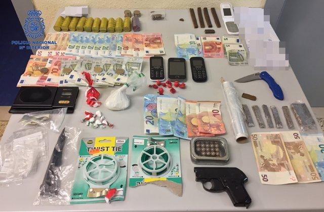 Sustancias, material y dinero intervenido
