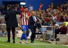 Carrasco recibe el alta médica y entra en la lista para el Bernabéu