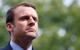 """Macron dice que el proyecto de Le Pen representa """"el aislacionismo"""" y carga contra el Frente Nacional"""