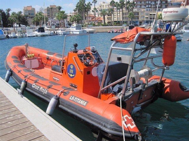 Imagén de archivo de la embarcación de Cruz Roja LS-Titania