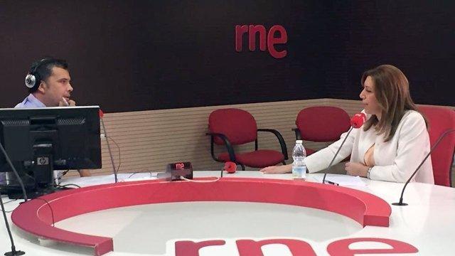 Susana Díaz, durante la entrevista en Radio Nacional de España