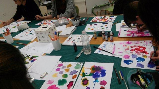 El Grado de Bellas Artes ilustran por tercer año las páginas de Diario de Teruel