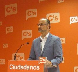 """Fuentes exige que Herrera dé explicaciones de """"escándalos"""" de corrupción"""