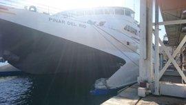 Baleària cancela trayectos con Melilla tras el accidente del ferri en el puerto de Málaga