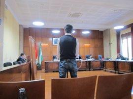 Le piden dos años de cárcel tras acusarle de tocamientos a una menor durante un tratamiento antipiojos
