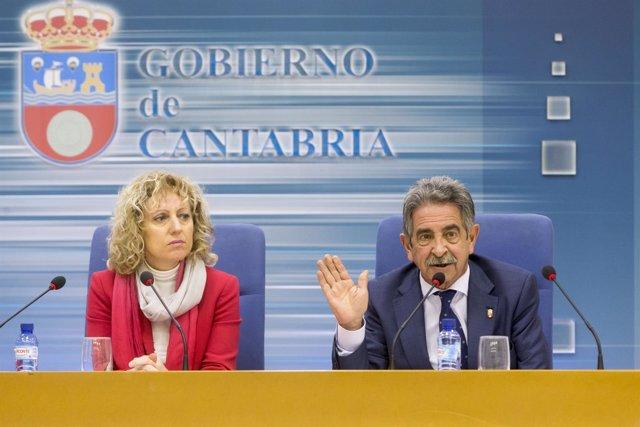 Revilla y Díaz Tezanos en rueda de prensa