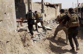 Al menos siete soldados iraquíes muertos en ataques de Estado Islámico cerca de la frontera con Siria