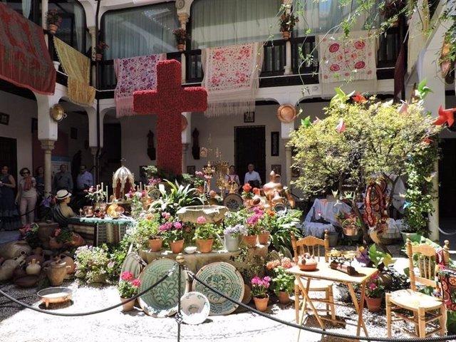 Cruz de mayo en Granada