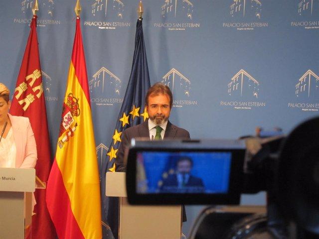 Pedro Rivera, En La Rueda De Prensa