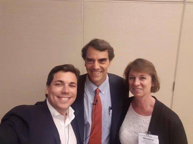 Juan Álvarez de Lara con Tim Draper y Marianne Hudson (directora general de ACA)