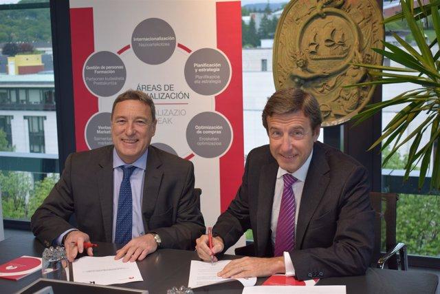 Firma entre Kutxabank y Cámara de Gipuzkoa