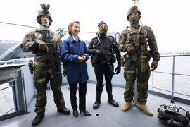 La ministra de Defensa alemana cancela su viaje a EEUU por la investigación contra un soldado