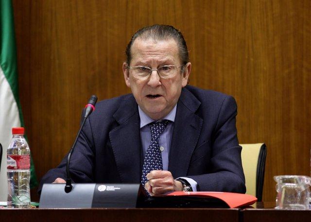 El consejero de Justicia e Interior, Emilio de Llera, en comisión parlamentaria
