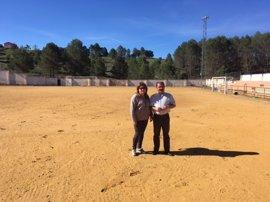 El campo de fútbol de Cortijos Nuevos, en Segura de la Sierra, contará con césped artificial