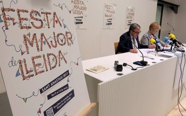 Àngel Ros y Montse Parra en la presentación del programa de fiestas de Lleida