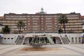 Trasladada al Virgen del Rocío una de las heridas con quemaduras en la explosión de gas en Córdoba