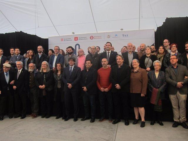 Puigdemont, Pisarello, Fandos y Carbonell con la Festa Major de Gràcia