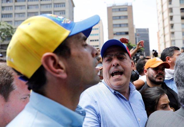 Los dirigentes opositores Julio Borges y Henrique Capriles