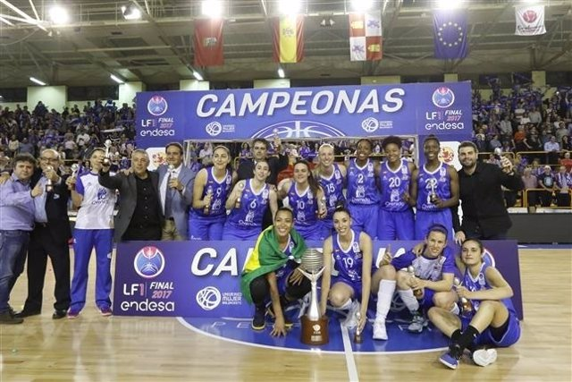 Perfumerías Avenida gana la liga ante el Girona y firma cierra el triplete