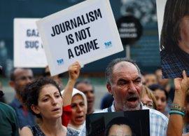 """Amnistía Internacional denuncia los """"constantes y crecientes ataques"""" sobre la libertad de prensa en Turquía"""