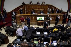 El Parlamento de Venezuela rechaza la convocatoria de Asamblea Constituyente de Maduro