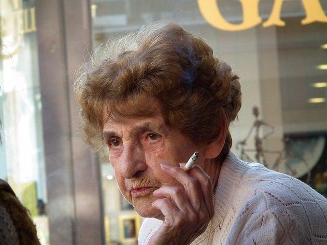 Anciana, mujer