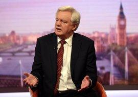 El ministro del 'Brexit' niega que Reino Unido vaya a pagar 100.000 millones por salir de la UE