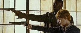 El Pistolero contra el Hombre de Negro en el Tráiler de La Torre Oscura