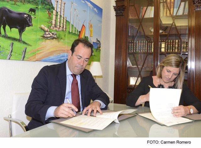 Firma del protocolo de colaboración entre la Diputación y Osborne