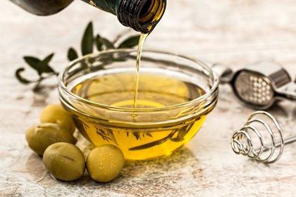 Los antioxidantes del aceite de oliva virgen extra conservan sus propiedades beneficiosas en frituras