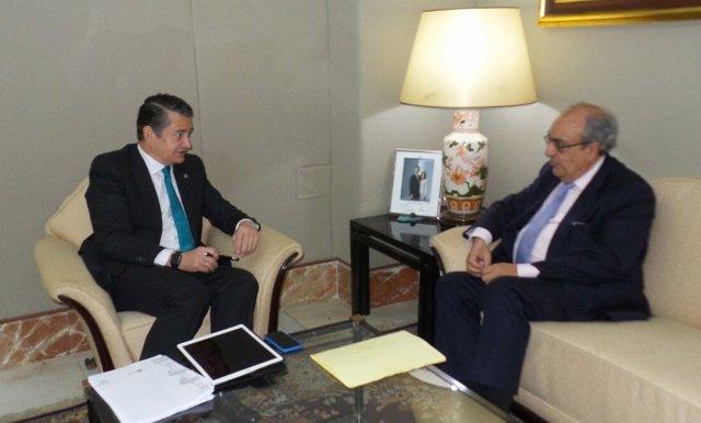 Reunión entre Antonio Sanz y el nuevo presidente de la CHG