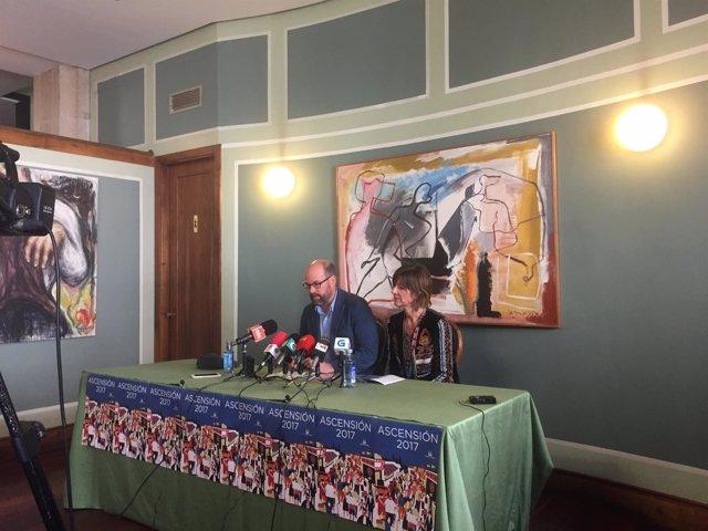 El alcalde de Santiago, Martiño Noriega, presenta las fiestas de la Ascensión