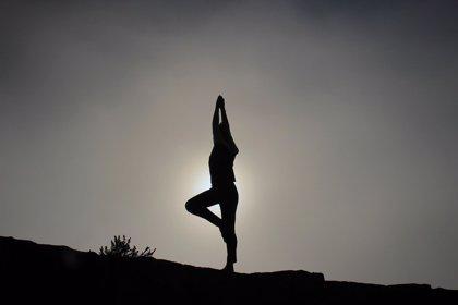 El yoga parece ayudar a llevar mejor la menstruación