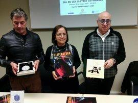 Una medalla de Adolfo Manzano y una publicación artesanal, galardones del Premiu Nacional de Lliteratura