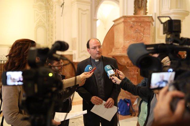 Np La Iglesia De Málaga Invita A Marcar Las Dos X En La Declaración De La Renta