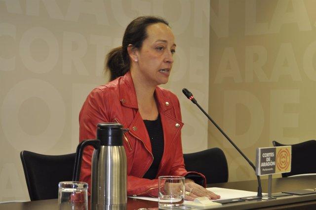 La diputada del PP, Carmen Susín, en rueda de prensa en las Cortes
