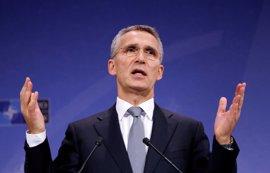 Stoltenberg descarta que la OTAN participe en operaciones de combate contra el Estado Islámico