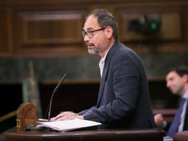 """Unidos Podemos dice que los Presupuestos """"no son negociados, son comprados"""" al PNV"""