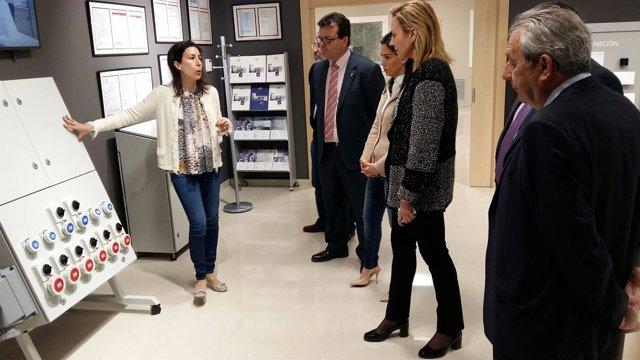 LA consejera Gastón en la empresa IDE Electric de Zuera
