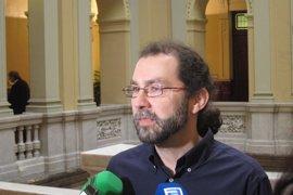 """León (Podemos) dice que peor que el acuerdo sobre el Cupo vasco es el """"cupo bancario"""""""
