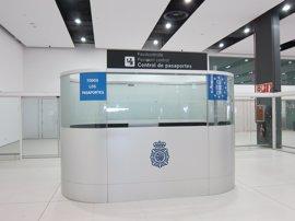 Interior aborda con mandos de la Policía y la Guardia Civil la aplicación de la normativa de control de pasajeros