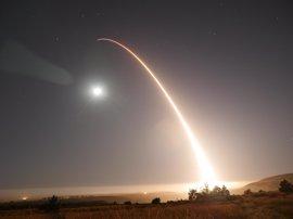 EEUU realiza un ensayo con un misil balístico intercontinental