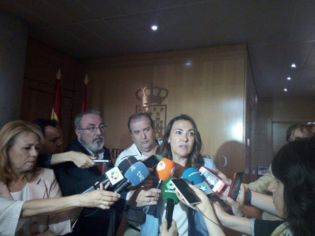 Isabel González, hermana de Ignacio González.