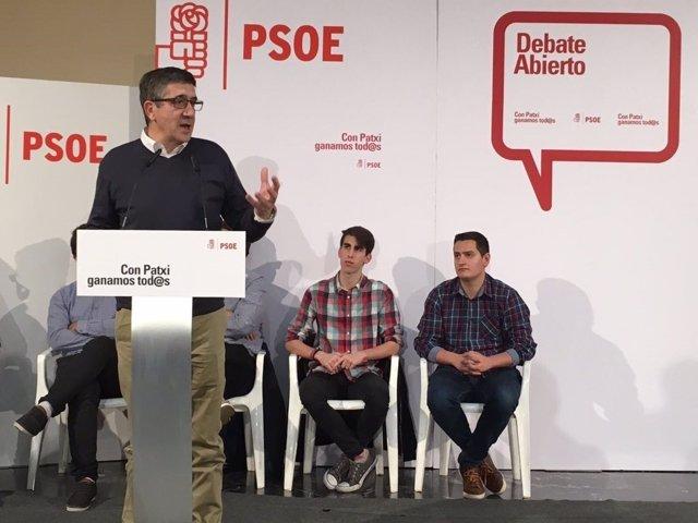 El socialista se ha reunido con militantes de Valencia