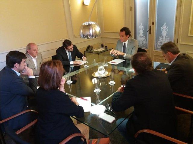 Pons con representantes de Apeam