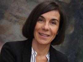 El Parlament pide la comparecencia de Carbonell para informar sobre las denuncias de viviendas vacacionales ilegales