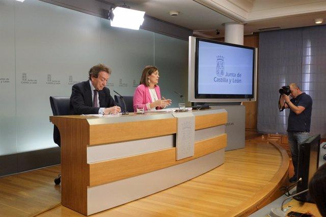 De Santiago-Juárez y Marcos tras el Consejo de Gobierno