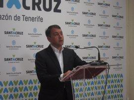 El desempleo cae en 1.235 personas en abril en Santa Cruz de Tenerife
